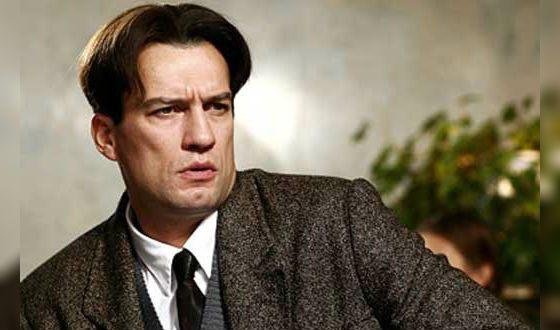 На фото: Андрей Чернышов в роли Владимира Маяковского