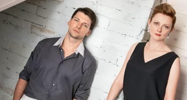 На фото: Даниил Страхов с женой Марией Леоновой