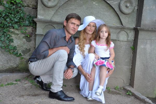 Игорь Лифанов, Елена Косенко и их дочь Алиса