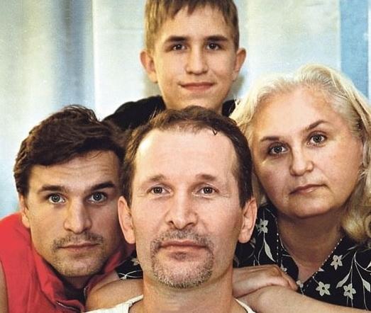Иван с родителями и старшим братом