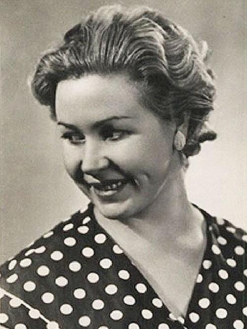 На фото: Инна Макарова в молодости