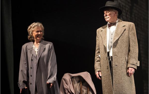 На фото: Иван Краско на театральной сцене