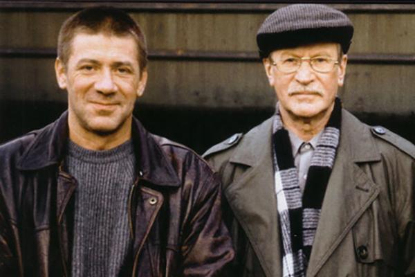На фото: Иван Иванович с сыном Андреем