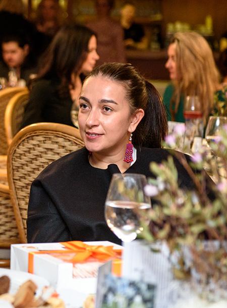 Жена Ивана Урганта Наталья Кикнадзе