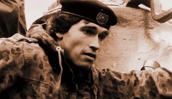 Арнольд Шварценеггер во время службы в армии