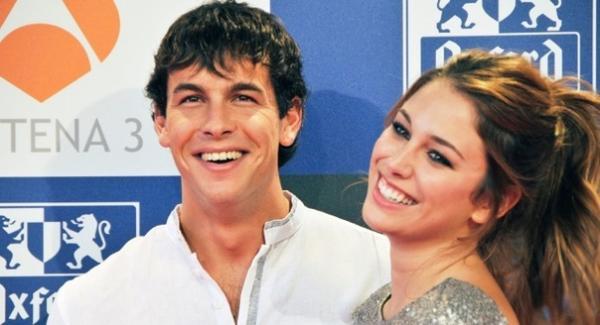 Starbook - Марио Касас и его девушка Берта Васкес на... | Facebook | 325x600
