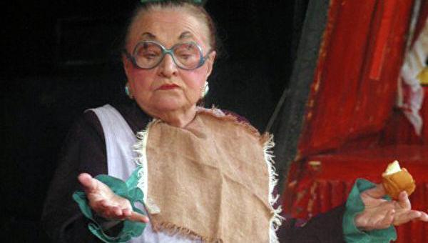 На фото: Надежда Каратаева в роли фрекен Бок в спектакле «Малыш и Карлсон, который живет на крыше»
