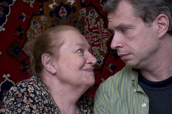 На фото: Надежда Каратаева в фильме «А вы ему кто?»