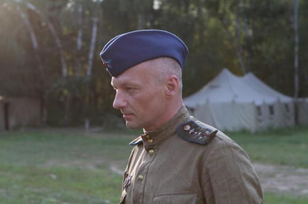 На фото: актер Николай Козак на съемках фильма «Истребители»