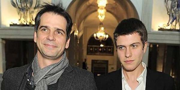 На фото: Павел Делонг с сыном