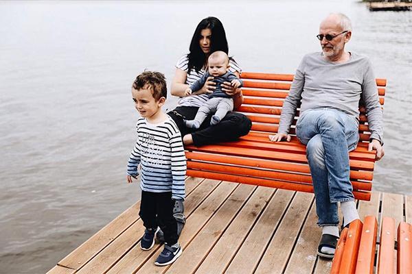 Александр гордон дети жена фото