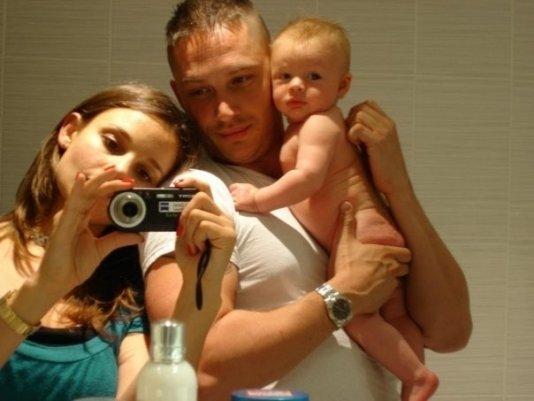 фокс волнуется фото том харди с женой и сыном стремительно развивается